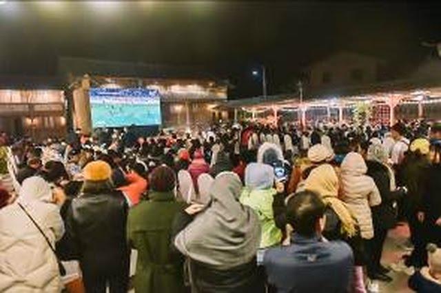 Lạc giọng vì cổ vũ bóng đá ở nơi đặc biệt nhất Việt Nam - 3