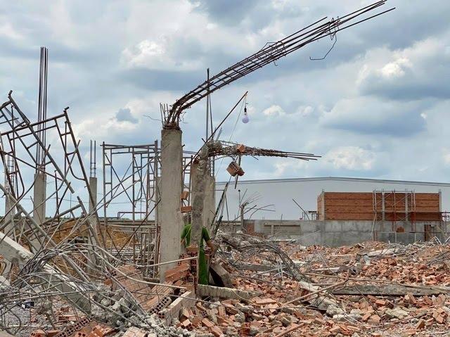 Bộ Xây dựng khảo sát hiện trường vụ sập tường 10 người tử vong - 4